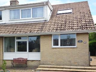 LAZIDAYS, pet friendly, with a garden in Scarborough, Ref 1821 - Scarborough vacation rentals
