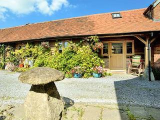 DAIRY BARN, pet-friendly luxury cottage in Kilmington near Mere Ref 23508 - Mere vacation rentals