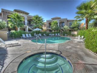 Charming House with Television and Fireplace - La Quinta vacation rentals