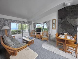 Ranch House Cottage overlooking the Kona Coast - Kailua-Kona vacation rentals