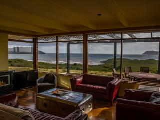 Cloudy Bay Villa - Panoramic Views of Cloudy Bay - Bruny Island vacation rentals