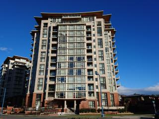 Beautiful Deluxe 1 Bedroom Condo - Vancouver vacation rentals