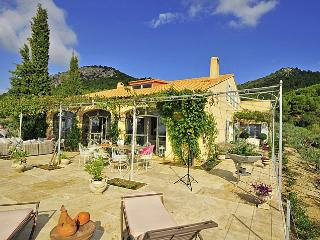 6 bedroom House with Private Outdoor Pool in Le Barroux - Le Barroux vacation rentals