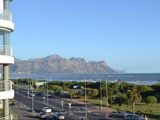 Cape Sands , Strand Stunning Beachfront Apartment - Strand vacation rentals