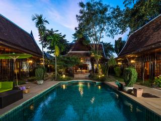 4 bedroom Villa with Internet Access in Chiang Mai - Chiang Mai vacation rentals