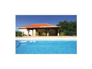 Cozy 3 bedroom Villa in Drnis with Washing Machine - Drnis vacation rentals