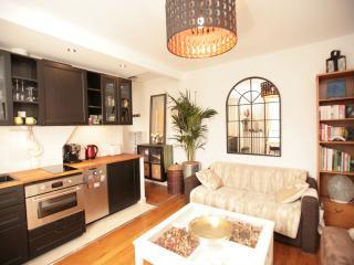 Calm Left Bank 1 Bedroom (115) - Paris vacation rentals