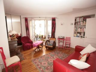 Cozy 1 Bedroom Apartment (365) - 9th Arrondissement Opéra vacation rentals