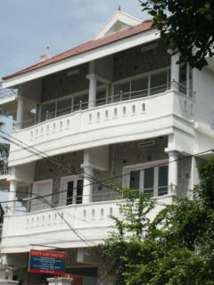 Beautiful 15 bedroom Vypin Island House with Internet Access - Vypin Island vacation rentals
