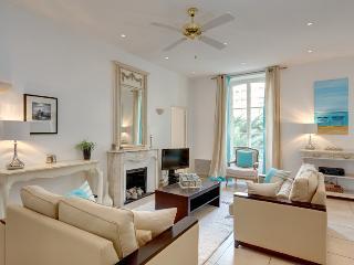 Nice Pebbles: Alberti - Nice vacation rentals