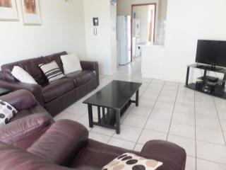 Nice Condo with Internet Access and A/C - Blacks Beach vacation rentals