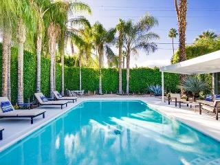 3BR/2BA Mid-Century Modern House, Pool and Jacuzzi, Sleeps 6 - Palm Springs vacation rentals