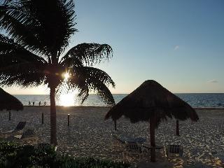 Beach Front condo, Riviera Maya, Cancún - Puerto Morelos vacation rentals