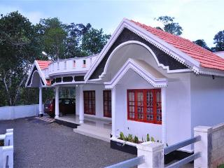 Convenient 3 bedroom Thekkady Villa with Internet Access - Thekkady vacation rentals