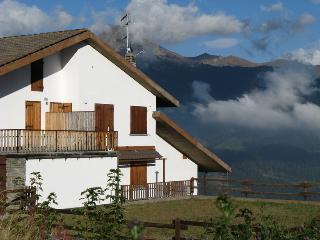 Alloggio splendida vista soleggiato e tranquillo - Torgnon vacation rentals