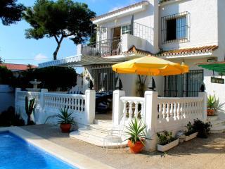 Villa proche de toutes commodités - Torremolinos vacation rentals