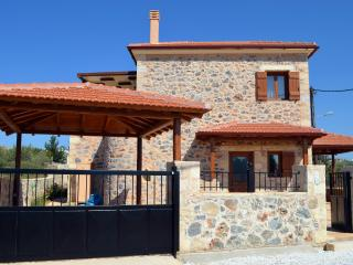 Villa Eleonas  Stone-built villa with private pool - Kefalas vacation rentals