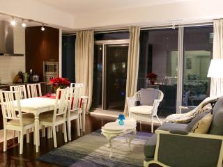 3-BDRM Luxury Condo in Downtown - Toronto vacation rentals