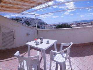 Lovely 2 bedroom Sperlonga Condo with Internet Access - Sperlonga vacation rentals