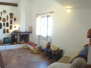 Sunny 3 bedroom Sperlonga Apartment with Internet Access - Sperlonga vacation rentals