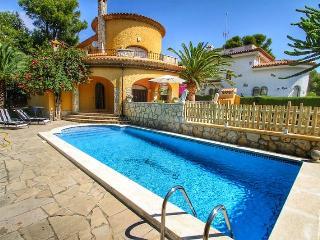 B11 MORENO nueva villa, piscina privada, jardín - Miami Platja vacation rentals