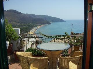 Convenient 1 bedroom Sperlonga Condo with A/C - Sperlonga vacation rentals