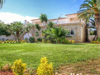 B17 ROSA CRISTAL villa piscina privada grán jardín - Miami Platja vacation rentals