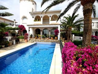 B29 VISTA villa con piscina privada vistas al mar - Miami Platja vacation rentals