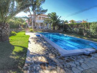 B21 CALIFORNIA villa piscina privada y gran jardín - Miami Platja vacation rentals