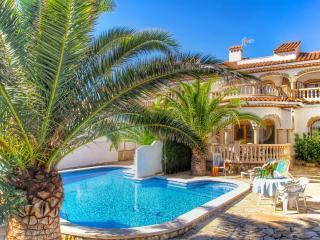 C03 MATEO adosado con piscina 100 metros del mar - Miami Platja vacation rentals
