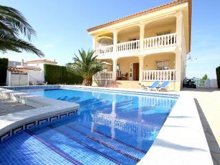 B26 CORONA villa con piscina privada y jardín - Miami Platja vacation rentals