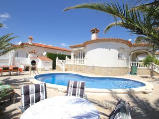 B37 ZAFIRO villa con piscina privada y jardín - Miami Platja vacation rentals