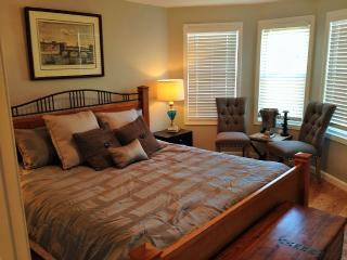 Entire luxury private apt near airport T stop - Boston vacation rentals