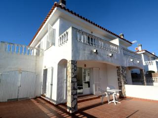Nice House with Shared Outdoor Pool and Balcony - L'Escala vacation rentals