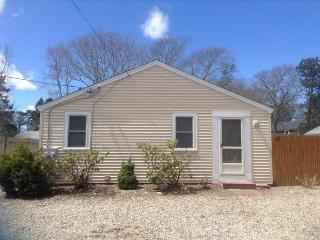 25 Seaview Ave - Walk to Thatcher Beach - ID# 727 - South Yarmouth vacation rentals