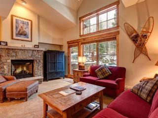 Best of All Worlds in This Mountain Thunder Townhome - Luxurious Ski-In Condo, Walk to Town, Walk to Gondola, Courtesy Shuttle - Breckenridge vacation rentals