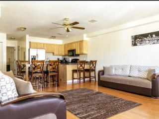 Beautiful Condo with Internet Access and A/C - Union City vacation rentals