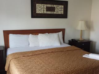 Weekly Room In Niagara Falls - Niagara Falls vacation rentals