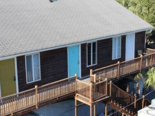 Center Street Condo puts you in the Middle of the Folly Beach Action! - Folly Beach vacation rentals