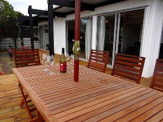 Omaha Classic - Leigh North Auckland vacation rentals