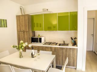 Appartamento Family in residence con piscina - Vercana vacation rentals