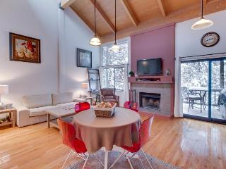 Cozy condo with access to the Northstar pool, hot tub, tennis & ski slopes! - Truckee vacation rentals