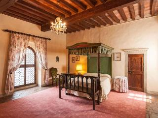 Tuscan Apartment in Historic Castle - Il Castello 24 - Montespertoli vacation rentals