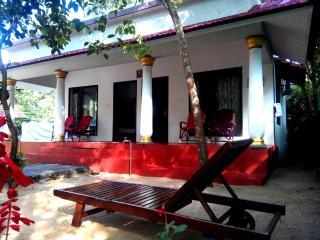 Wonderful Bed and Breakfast with Dishwasher and A/C in Mararikulam - Mararikulam vacation rentals