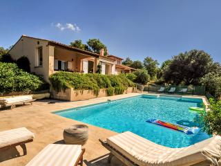 Spacious 6 bedroom Le Plan-de-la-Tour House with DVD Player - Le Plan-de-la-Tour vacation rentals