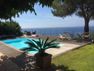 3 bedroom House with Private Outdoor Pool in La Croix-Valmer - La Croix-Valmer vacation rentals