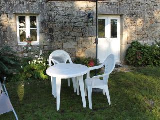 2 bedroom Gite with Wireless Internet in Guern - Guern vacation rentals