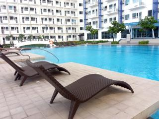 Condominium Fully Furnished Jazz Residences Makati - Makati vacation rentals