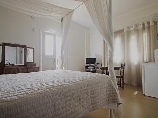 1 bedroom Apartment with Internet Access in Megas Gialos - Megas Gialos vacation rentals