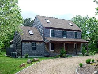 CENTRALLY LOCATED HOME IN EDGARTOWN WITH CENTRAL AIR CONDITIONING - Edgartown vacation rentals